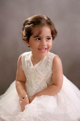 حبيبه امها تسريحات للبنوتات الصغيره 6673487445.jpg