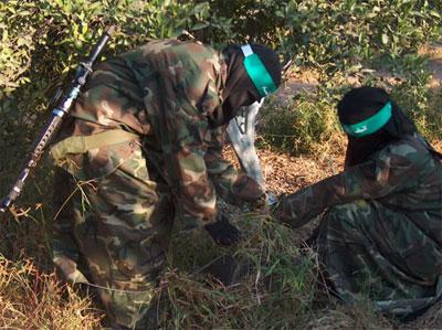 صور ومعلومات عن مجندات حركة حماس اثناء التدريب 5