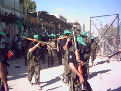 صور عرض عسكري لمجاهدين حماااااااااااااس.......غزة 12