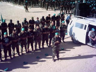 صور عرض عسكري لمجاهدين حماااااااااااااس.......غزة 4