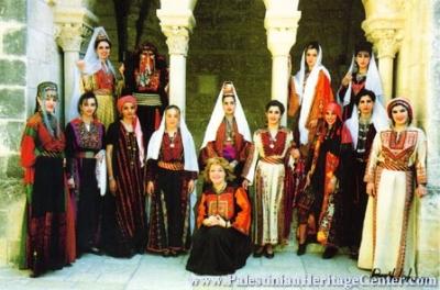 اثواب  فلسطينية ولقاء مع مها السقا بيت لحم 16