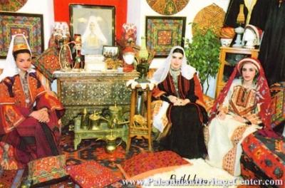اثواب  فلسطينية ولقاء مع مها السقا بيت لحم 17