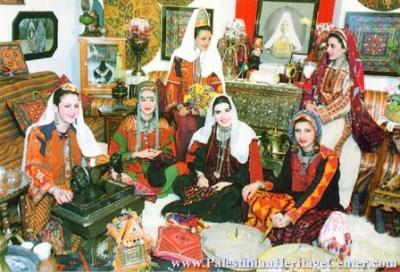 اثواب  فلسطينية ولقاء مع مها السقا بيت لحم 4