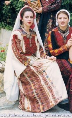 اثواب  فلسطينية ولقاء مع مها السقا بيت لحم 5