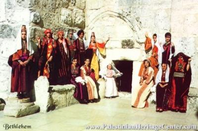 اثواب  فلسطينية ولقاء مع مها السقا بيت لحم 9