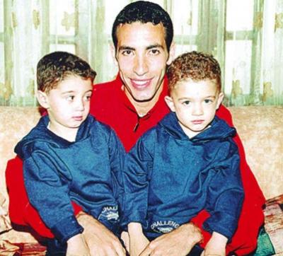 صور لاعبى مصر وزوجاتهم واولادهم 2