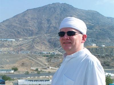 ضابط بريطاني يعتنق الإسلام بسبب آية قرآنية 3
