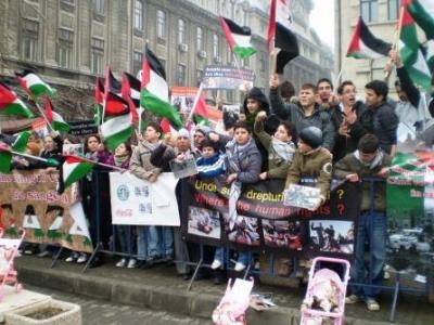 المخيمات الفلسطينية في لبنان تطالب بمقاضاة الجيش الاسرائيلي على ارتكابه جرائم حرب في غزة
