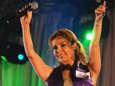 رولا سعد تغني للرئيس التونسي