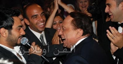 عادل إمام يحتفل بعيد ميلاده بالرقص أنغام تامر حسني 1046902005.jpg