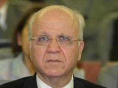 وزير خارجية الجزائر:الاعتداء على لاعبي الخضر يصب الزيت على النار ويطالب أبو الغيط بالتدخل