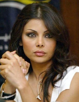 هيفاء : لن أغنى فى الجزائر مرة أخرى