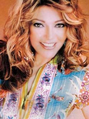 جزائري يهدد سميرة سعيد بالقتل لتشجيعها المنتخب المصري