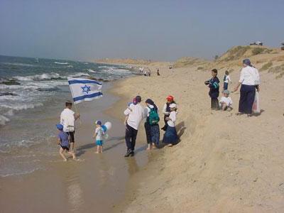 صور من داخل مستوطنات القريبة من قطاع غزة 16