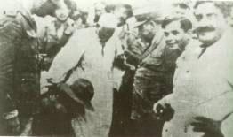 صور اعدام الشهيد عمر المختار 2.jpg