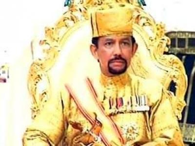 صور قصر وطائرات وسيارات سلطان بروناي حسن بلقيه أغنى رئيس دولة بالعالم
