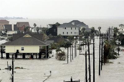صور مرعبة من اخر اعصار ضرب امريكا