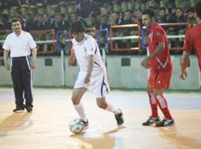 نجاد والرئيس البوليفي في مباراة ودية شاهد الصور 2576454824.jpg