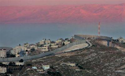 الافعى الاسرائيلية الصخرية في الضفة الغربية 38840591910.jpg
