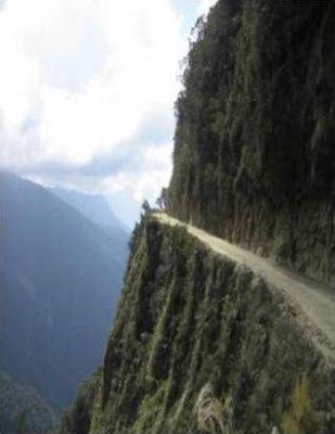اخطر طريق جبلي في العالم 38893102511.jpg