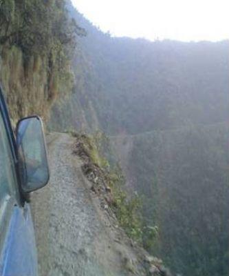 اخطر طريق جبلي في العالم 38893102513.jpg