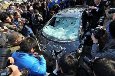 سيارة بـ290 دولار يحطمها مالكها 3901141904.jpg
