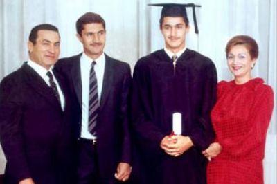 حسني مبارك في صور نادرة 39077006510.jpg