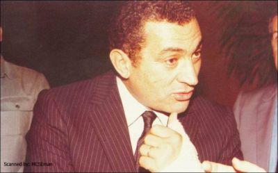 حسني مبارك في صور نادرة 39077006518.jpg