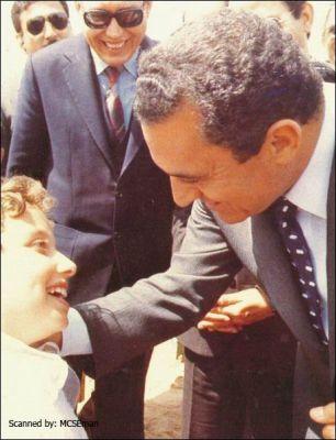 حسني مبارك في صور نادرة 39077006519.jpg
