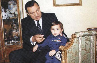 حسني مبارك في صور نادرة 3907700655.jpg