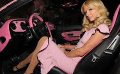 باريس هيلتون وسيارتها بنتلي كونتنينتال الوردية 3909760123.jpg