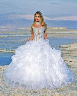 فساتين للعرائس في هذه المجموعة من الصور