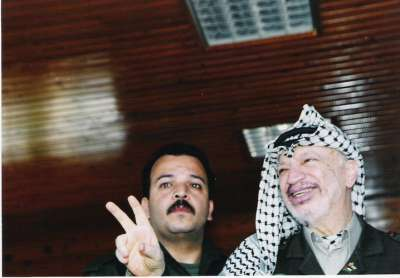 شاهد صور نادرة للشهيد ياسر عرفات 3909770724.jpg