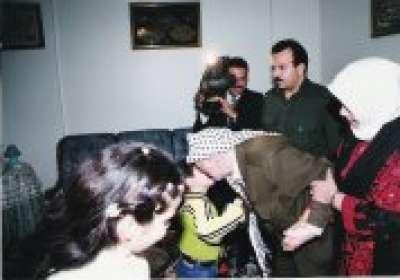 شاهد صور نادرة للشهيد ياسر عرفات 3909770743.jpg