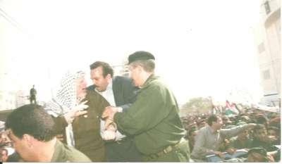 شاهد صور نادرة للشهيد ياسر عرفات 3909770749.jpg