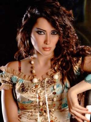 الممثلة السورية مديحة كنيفاتي