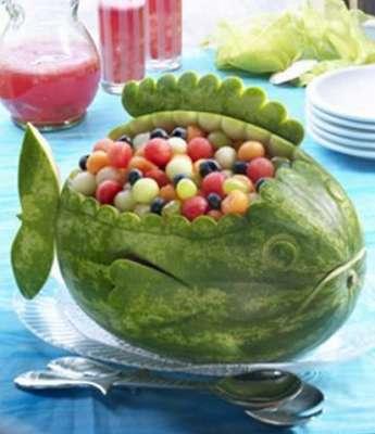 طريقه تقديم البطيخ عندنا وعندهم