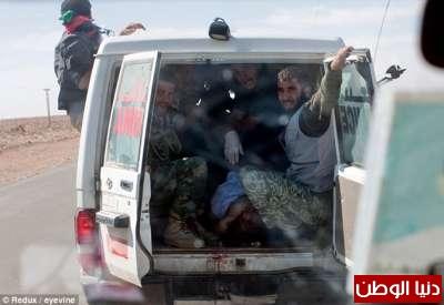 بالصور صحيفة ديلي البريطانية: أطلقَ النار القذافي 3909773577.jpg