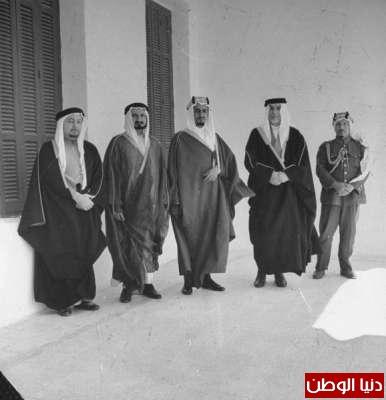 بصور رونق السعودية 1942م 3909773800.jpg
