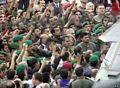 شاهد صور نادرة للشهيد ياسر عرفات 3909775929.jpg