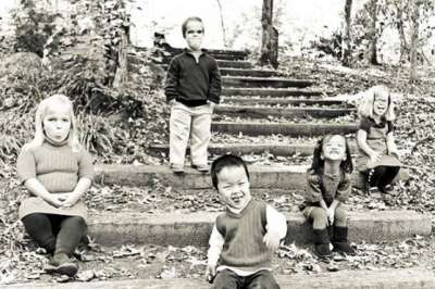 أكبر أسرة الأقزام العالم سعيدة