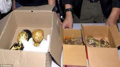 جثث أطفال مطلية بالذهب لممارسة السحر الأسود 3909808162.jpg