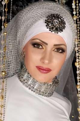 أحدث لفات الطرح للعرائس 3909813597.jpg