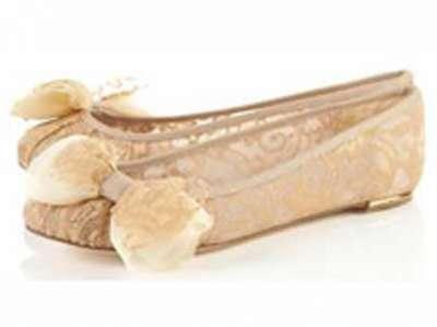 أحذية الدانتيل ناعمة، شاعرية وجذابة 3909814295.jpg