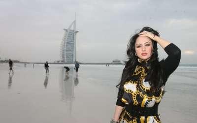مذيعة قناة العربية: العراقية سهير القسي 3909823139.jpg