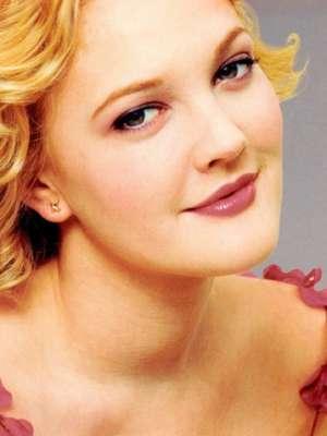 الممثلة التركية مريم أوزرلي 3909825873.jpg