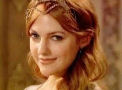 الممثلة التركية مريم أوزرلي 3909825879.jpg