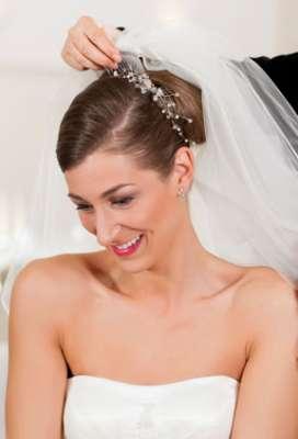 تسريحات متنوعة ليوم زفافك 3909831293.jpg