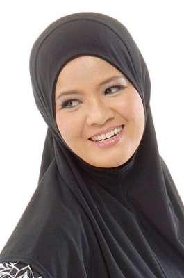 طرق مختلفة ومتنوعة لوضع الحجاب 3909840087.jpg