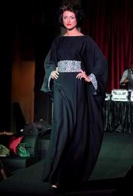 عبايات وأزياء عصرية في حفل رولز رويس 3909841769.jpg
